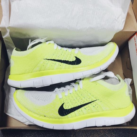 1a8064f2f676a NWT✨ Women s Nike Free Flyknit 4.0 Shoe